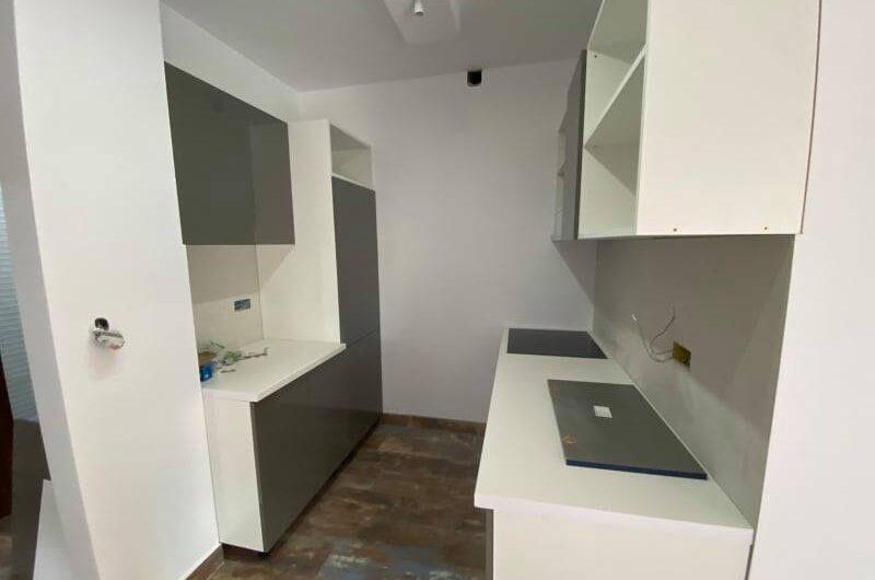 Трехкомнатная квартира в Херцег Нови, Tопла